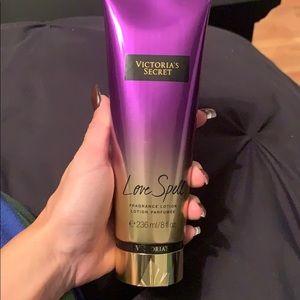 Victoria's Secret Love Spell lotion